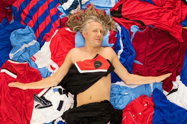 Jimmy Bullard recreated a scene from American Beauty to promote the campaign