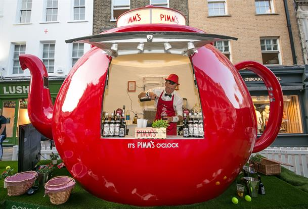 Pimms' travelling teapot bar is popping up at Wimbledon until Sunday (12 July)