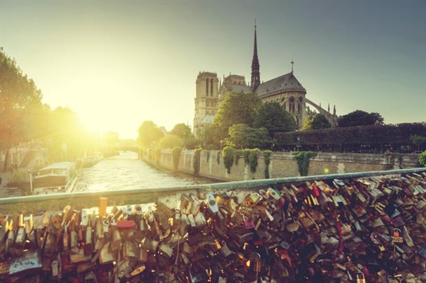 The cage will feature thousands of Paris' famous 'love locks'