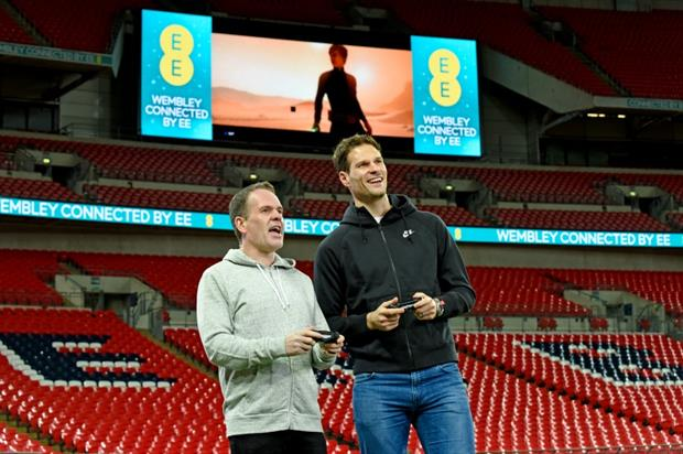 Chris Moyles and Asmir Begovic played Star Wars Battlefront on the big screen at Wembley