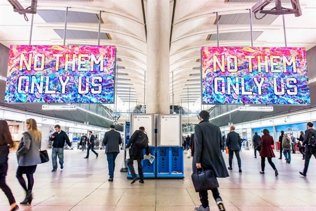 TFL launches largest ever tube advertising screens at London's Canary Wharf