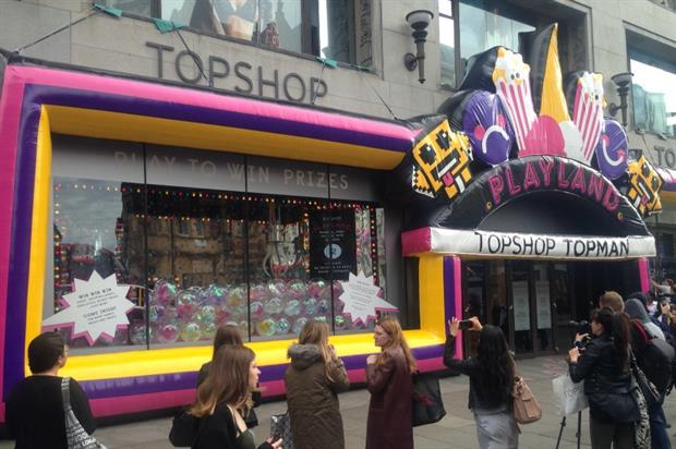 The world's first Twitter powered crane has been installed in Topshop's Oxford Street store