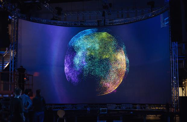 Visitors can interact with the visualisation by zooming into topics, hashtags and tweets