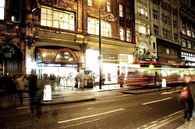 Should Oxford Street be traffic free? (Christian Scholz/Flickr)