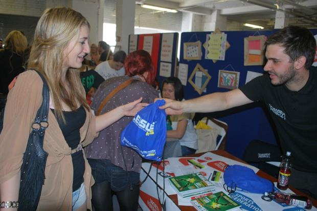 Lecturers advocate volunteering at student events to bolster experience (Flickr: Creative Commons)
