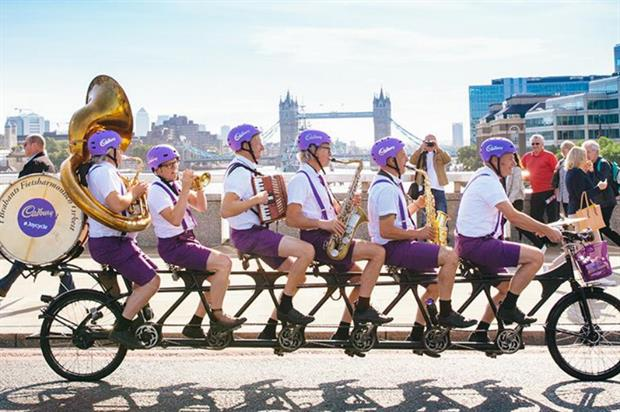 The #Joycycle delivered treats to Londoners stuck in queues (@CadburyUK)