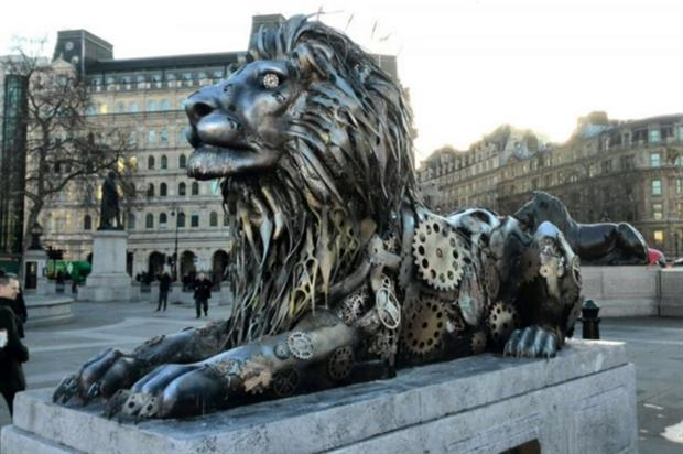 Fifth lion unveiled in Trafalgar Square highlights that 'time is running out' for African lions