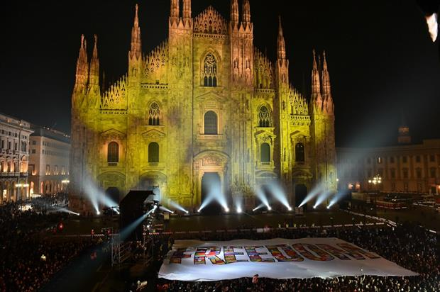 The Freedom flag was unveiled outside the Duomo di Milano