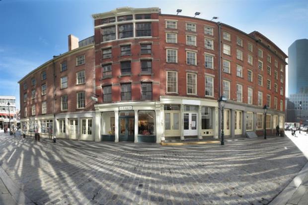The space will enjoy views overlooking Schermerhorn Row (Creative Commons: Michael Daddino)