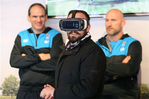 Rugby fans were surprised by real-life appearances from Johnson and Dallaglio
