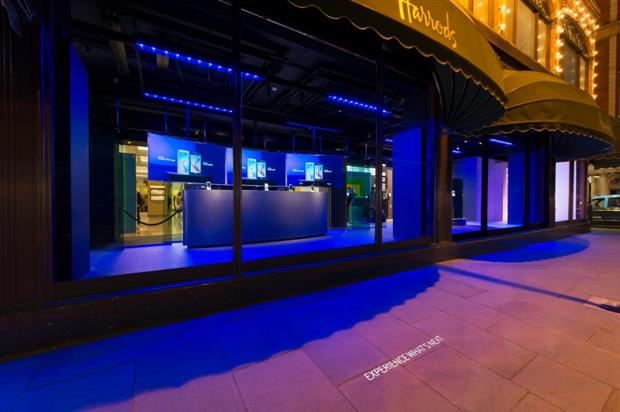 Samsung takes over Harrods' iconic windows