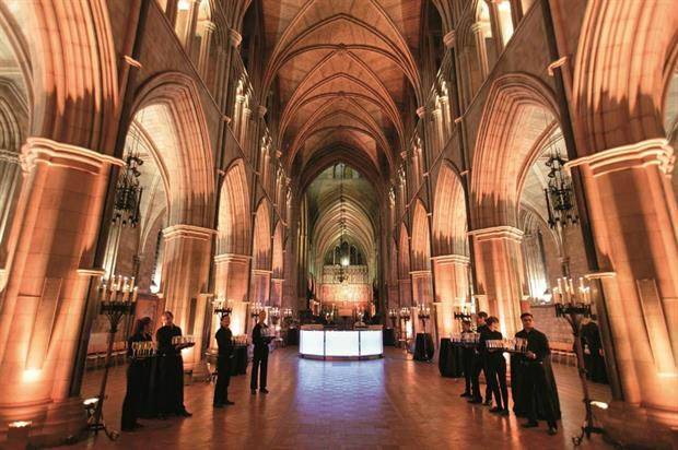 Southwark Cathedral can host up to 800 people standing, or dinners for 200