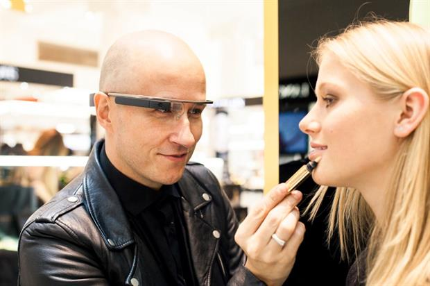 Make-up artists record tutorials through the hi-tech specs