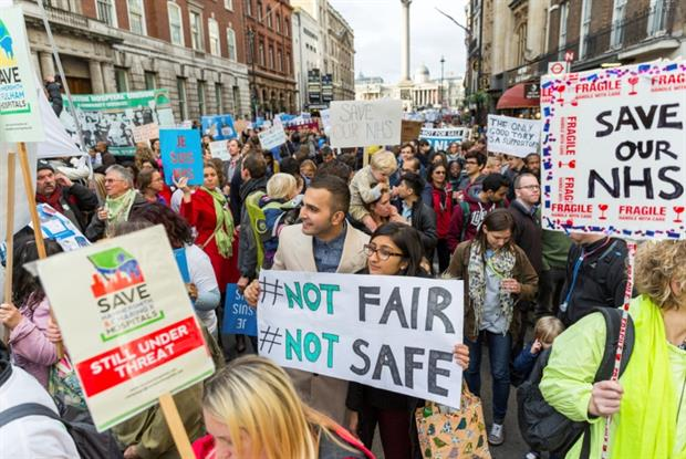 Junior doctors march in London over proposed contract changes