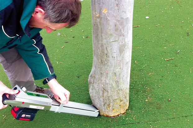 Resi-PD microdrill: testing timber for signs of decay