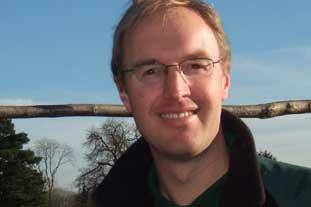 Peter Howells, trainee gardener, English Heritage, Down House - photo: HW