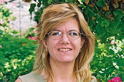 Liz Sims, manager, Vernon Geranium Nursery - image: HW