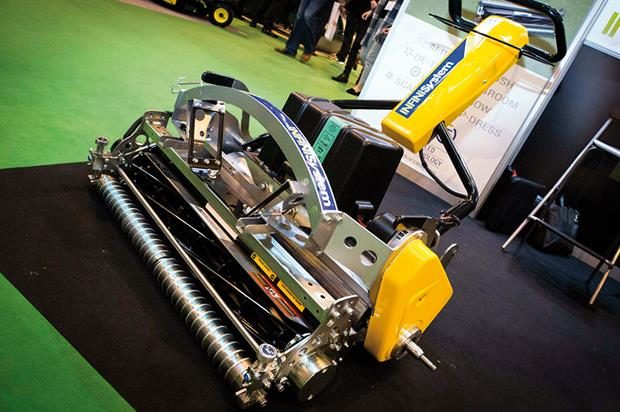 ATT INFiNiSystem 30in: unit powered by lithium battery or hybrid engine generator - images: HW