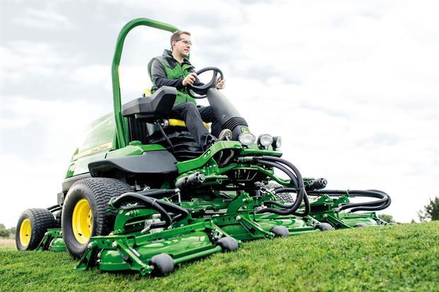 9009A TerrainCut: rough mower from John Deere set to make UK debut at BTME - image: John Deere