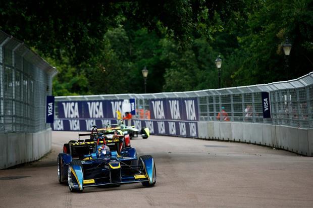 Formula E drivers race in Battersea Park in 2015. Image: Formula E