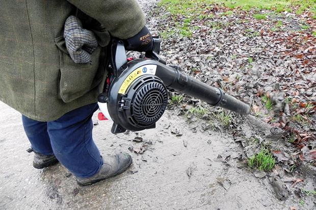 Lawnflite MTD SC4 blower - image: HW