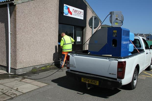 The Cardley-Wave system being used in the Shetland Islands. Credit: William Spence