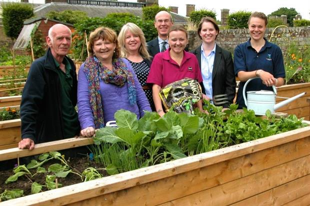 From l - r: Veteran Danny Quinn, Heather Budge-Reid, Jacqueline Francis from ISS Landscaping, Trustee Roger Moore, Vicky Page from Scotts Miracle-Gro, Stacey Crump, Armed Forces Covenant fund manager and Zisky Stovell.