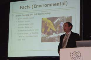 HTA's Tim Briercliffe delivers early survey findings: - photo: HTA