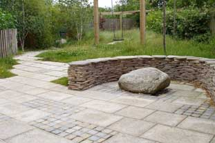 Granite and pebblestones - photo: CED Natural Stone Suppliers