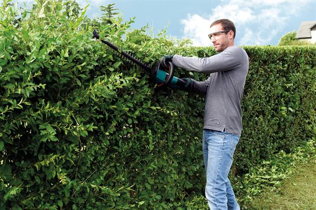 GHE range: lightweight and robust hedge trimmers thanks to a magnesium chassis - image: Bosch