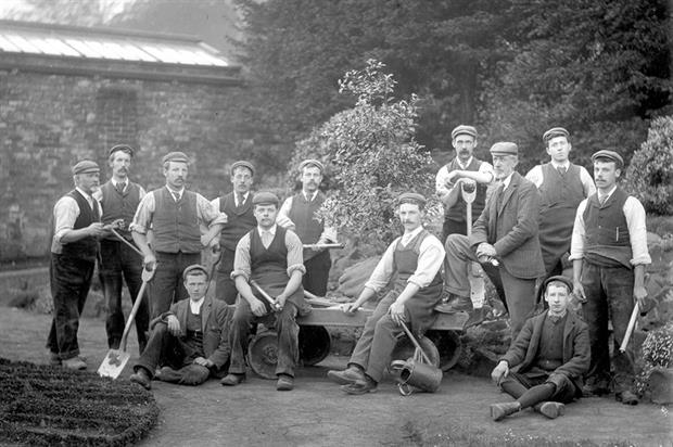 Gardeners at Wentworth Castle Garden in 1897 - image: Reproduced by kind permission of Wentworth Castle (www.wentworthcastle.org)