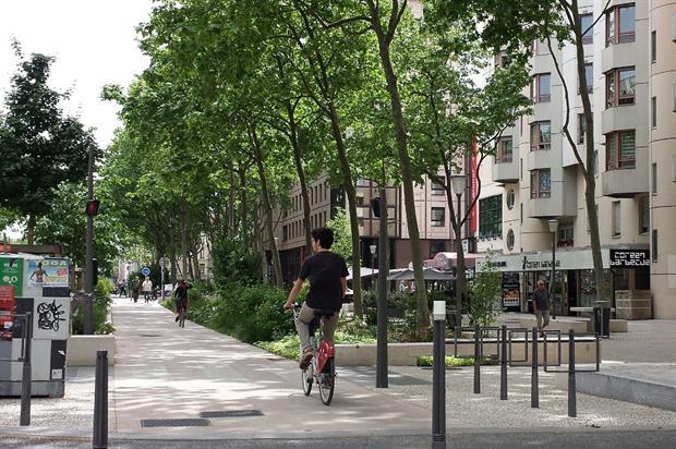 Lyon's rue Garibaldi - image: Enguerran Fouchet