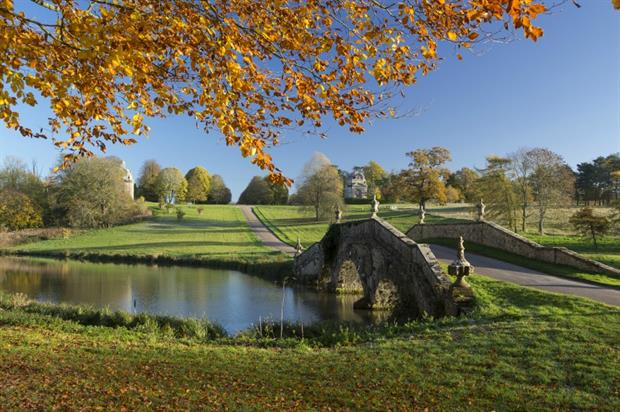 Autumn view of The Oxford Bridge at Stowe. Copyright: NT Images/Andrew Butler