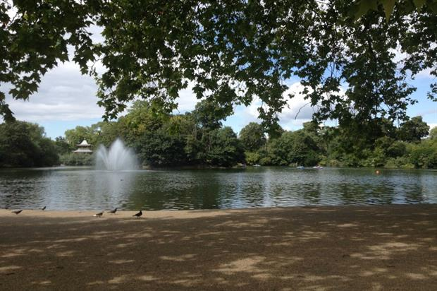 The boating lake at Victoria Park, east London. Photo: HW