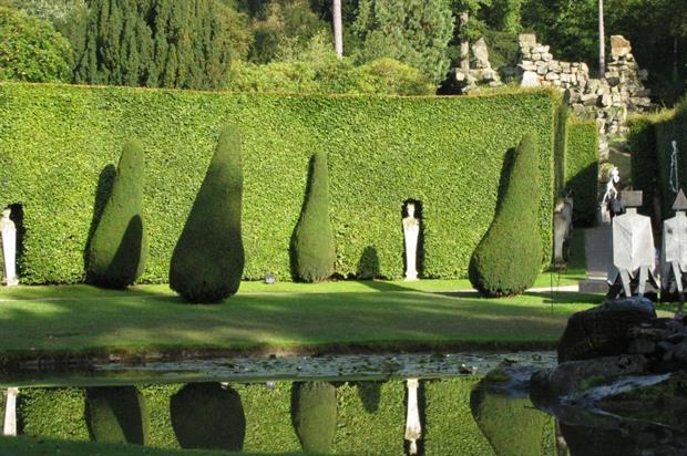 Topiary at Chatsworth, where Paxton was head gardener. Image: MorgueFile