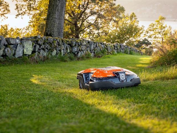 Robot máy cắt cỏ sản phẩm điện ngoài trời