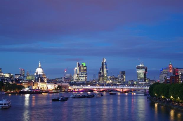 RIBA wants Garden Bridge put on hold. Image: Pixabay