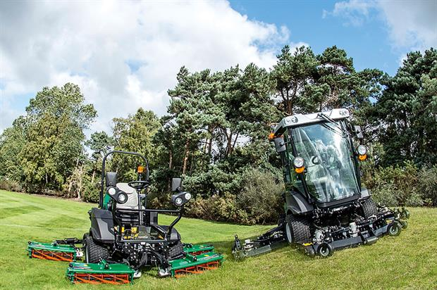 MP Series: wide-area mowers use bat wing rotary or five-gang cylinder formats - image: Ransomes Jacobsen