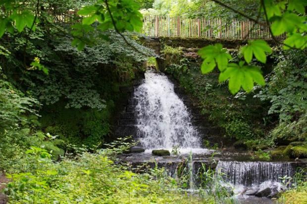 The hidden waterfall at Rouken Glen Park. Image: HLF