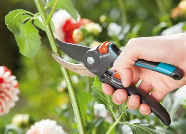 Gardena secateurs