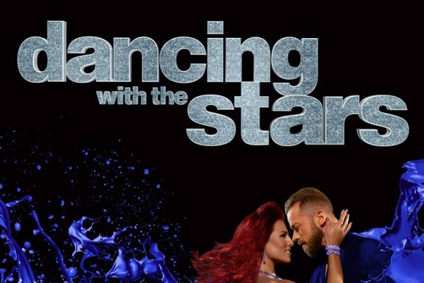 Twitter side-eyes Ryan Lochte Dancing with the Stars story