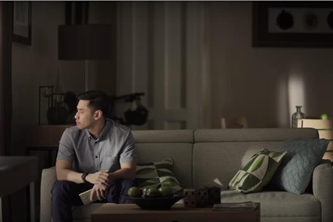 In Philippines, mobile carrier makes call for LGBT pride
