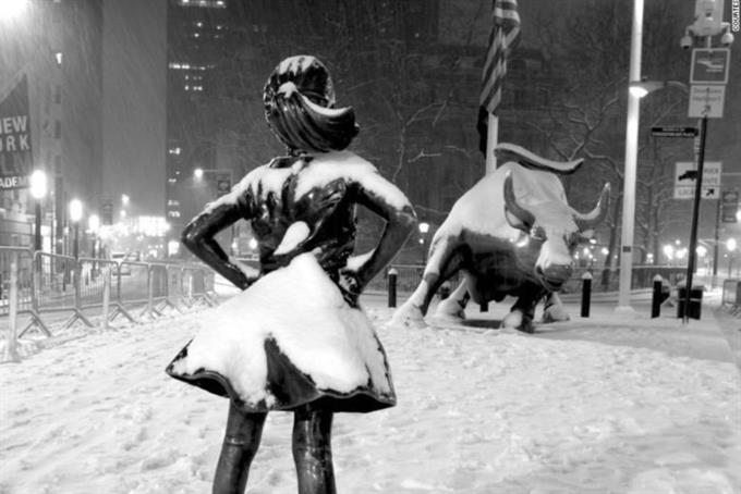 "New York Congresswomen will rally on the steps of City Hall to keep ""Fearless Girl"" on Wall Street"