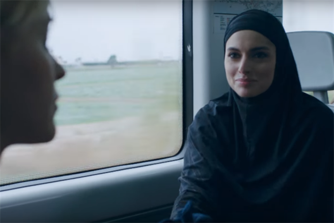 Hyatt's Oscars ad tells the world what it needs right now is new friends
