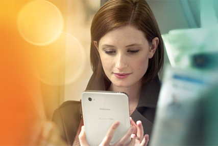 Samsung: launches Galaxy Tab