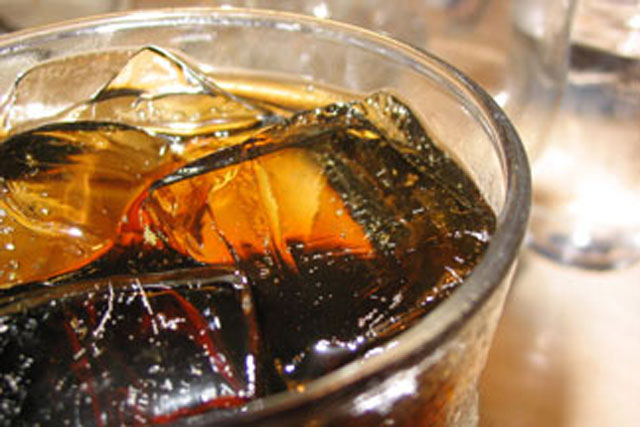Fizzy drinks: UK doctors call for tax levy to help combat obesity