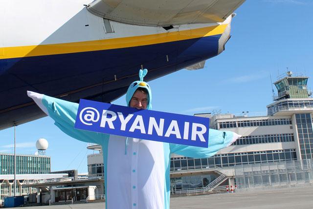 Ryanair: launches Twitter account