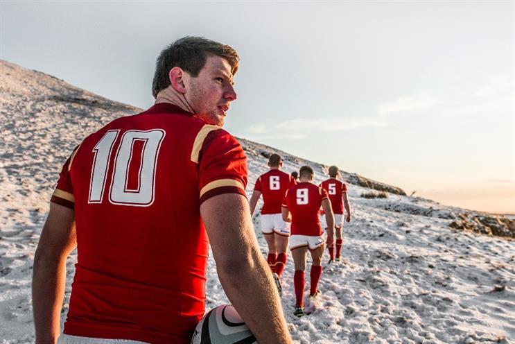 Wales star Dan Biggar at the snowy Brecon Beacons