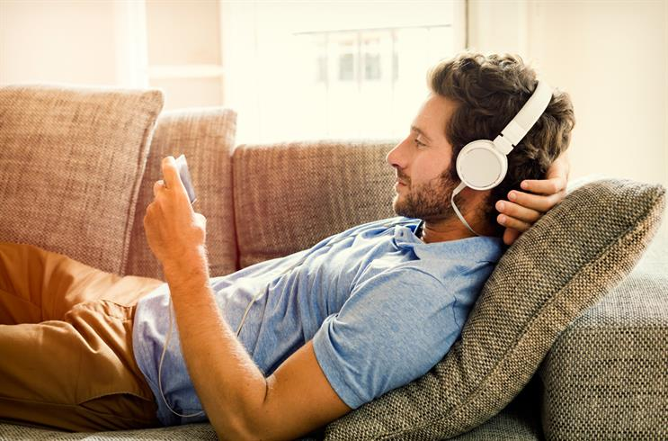 Move over, tablets - smartphones are the top mobile video device
