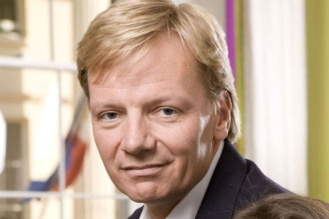 Hugh Baillie: CEO of O&M steps down